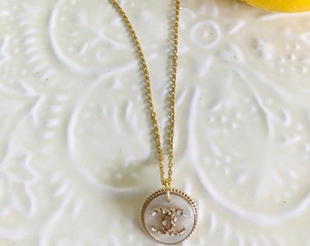 Chic and trendy gold stainless steel necklace