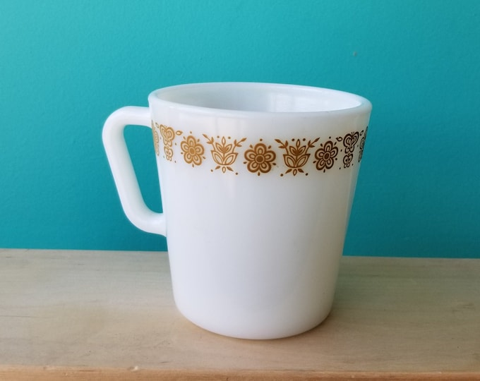 One Pyrex Butterfly Gold D Handle Milk Glass Mug