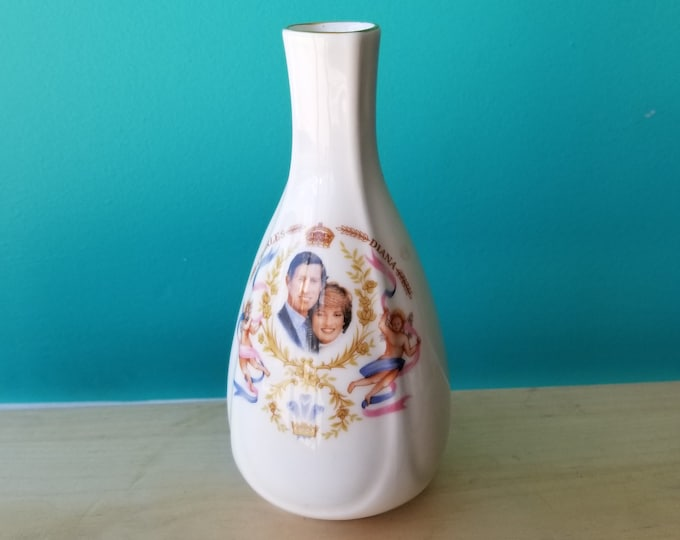 "Royal Birth 6"" Ceramic Vase"