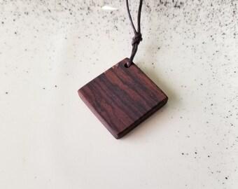 Handcrafted Wooden Necklace - Timmerwerk