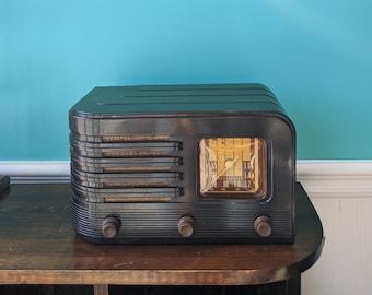 1947 Stromberg Carlson 561 Tube Radio