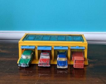 Dinky Toys - Husky 2001 Four Garage