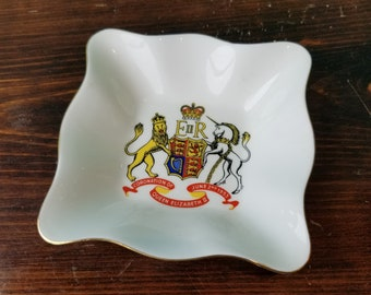Coronation of Queen Elizabeth Commemorative Dish