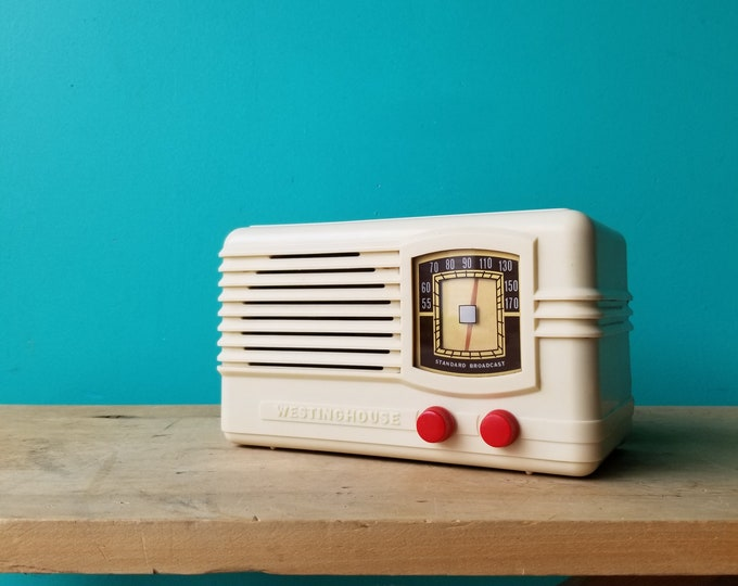 1939 Westinghouse Model 555 AM Tube Radio