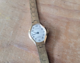 Vintage Ladies Cardinal 17 Jewel Wristwatch