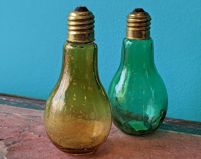 Vintage Lightbulb  Salt and Pepper Shaker Set