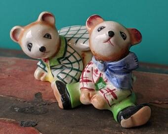 Vintage Playful Bears Salt and Pepper Shaker Set