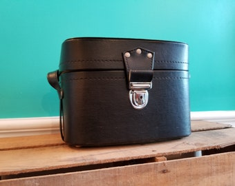 Black Vinyl Vintage Camera Case With Padded Dividers