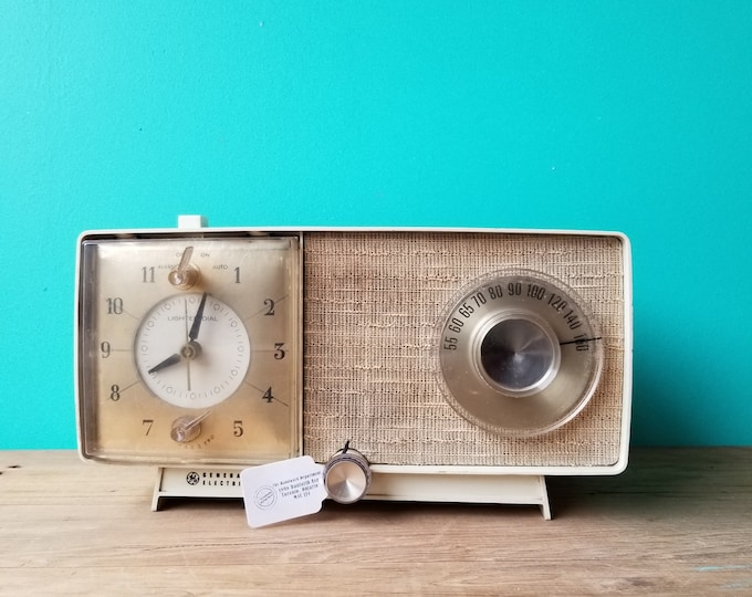 Atomic Era AM Radio/ Alarm Clock by General Electric