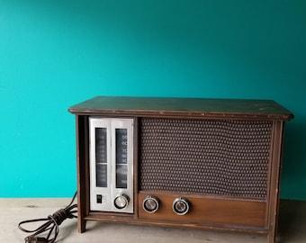 Zenith Wooden Tabletop Radio