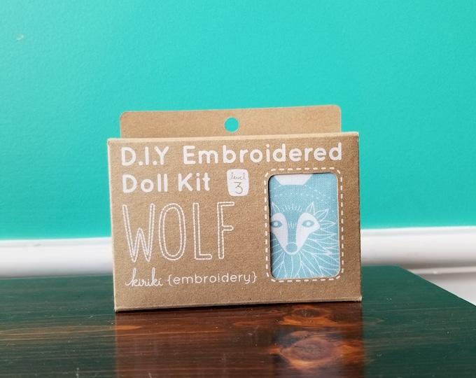 Kiriki Press Embroidery Kit - Wolf - Level 3