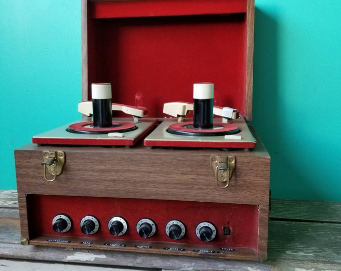 Featured listing image: The Record Players