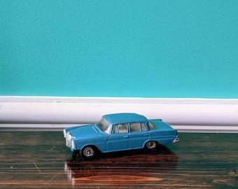 Dinky Toys -186 Mercedes-Benz 220 SE