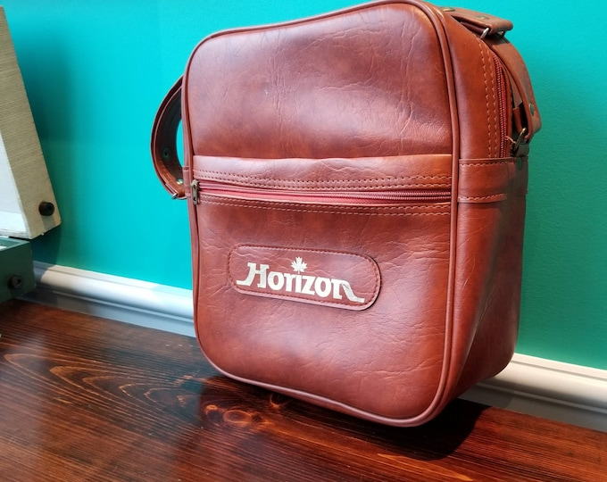 Horizon Canada Vinyl Travel Bag