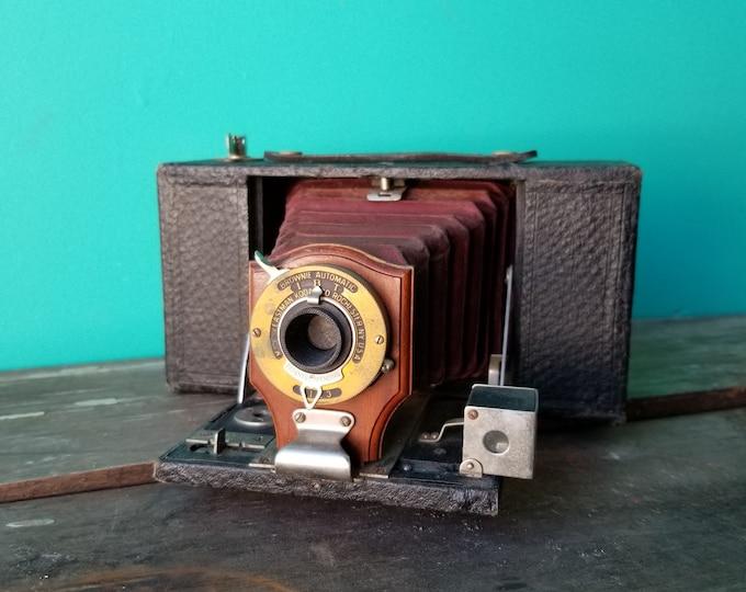 Featured listing image: Kodak No.2A Folding Pocket Brownie