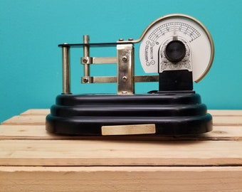 Antique Scale AM Radio by Waco (Japan)