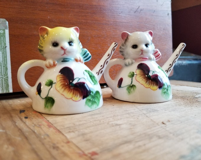 Tea Pot Kitten Salt and Pepper Shaker Set