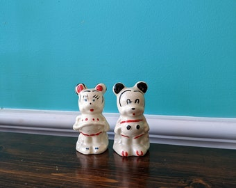 Vintage Mickey and Minnie Salt and Pepper Shaker Set