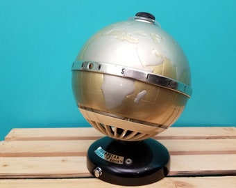 Four Star All Transistor Gold Globe AM/FM Radio