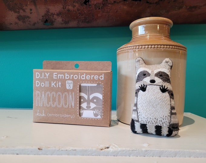 Kiriki Press Embroidery Kit - Raccoon - Level 3
