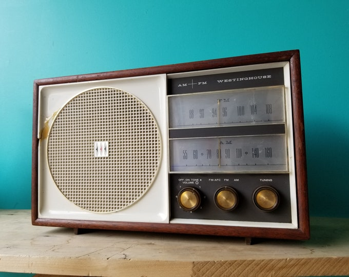 1961 Westinghouse AM FM Tube Radio