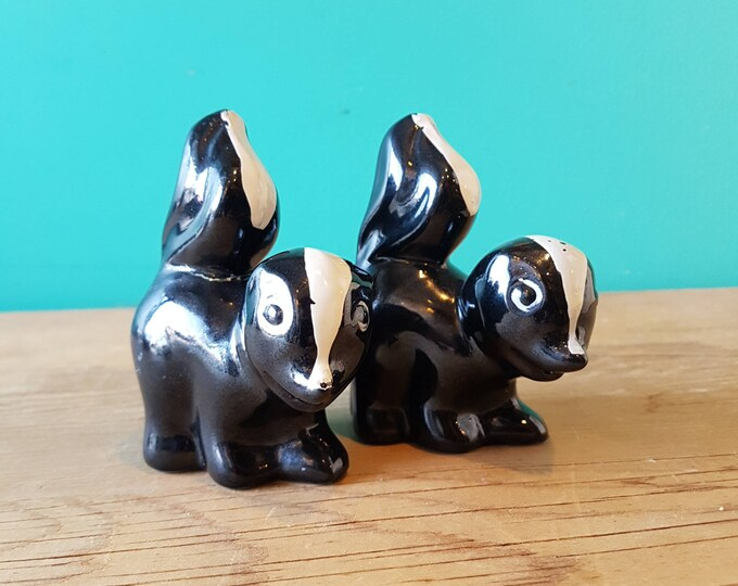 Featured listing image: Skunk Salt and Pepper Shakers