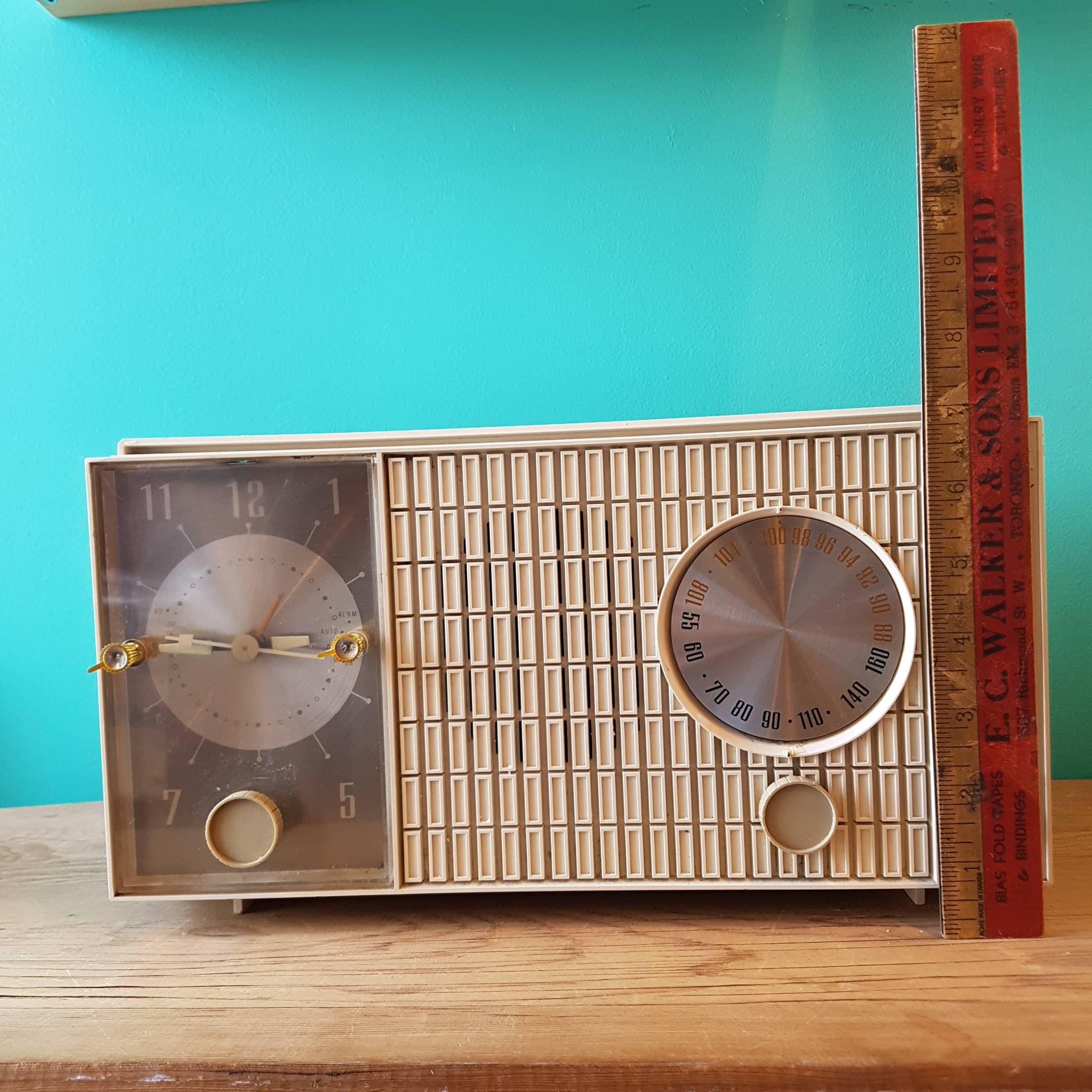 1960's Zenith AM/FM Alarm Clock Radio