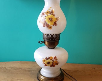 Vintage Threeway Milkglass Lamp