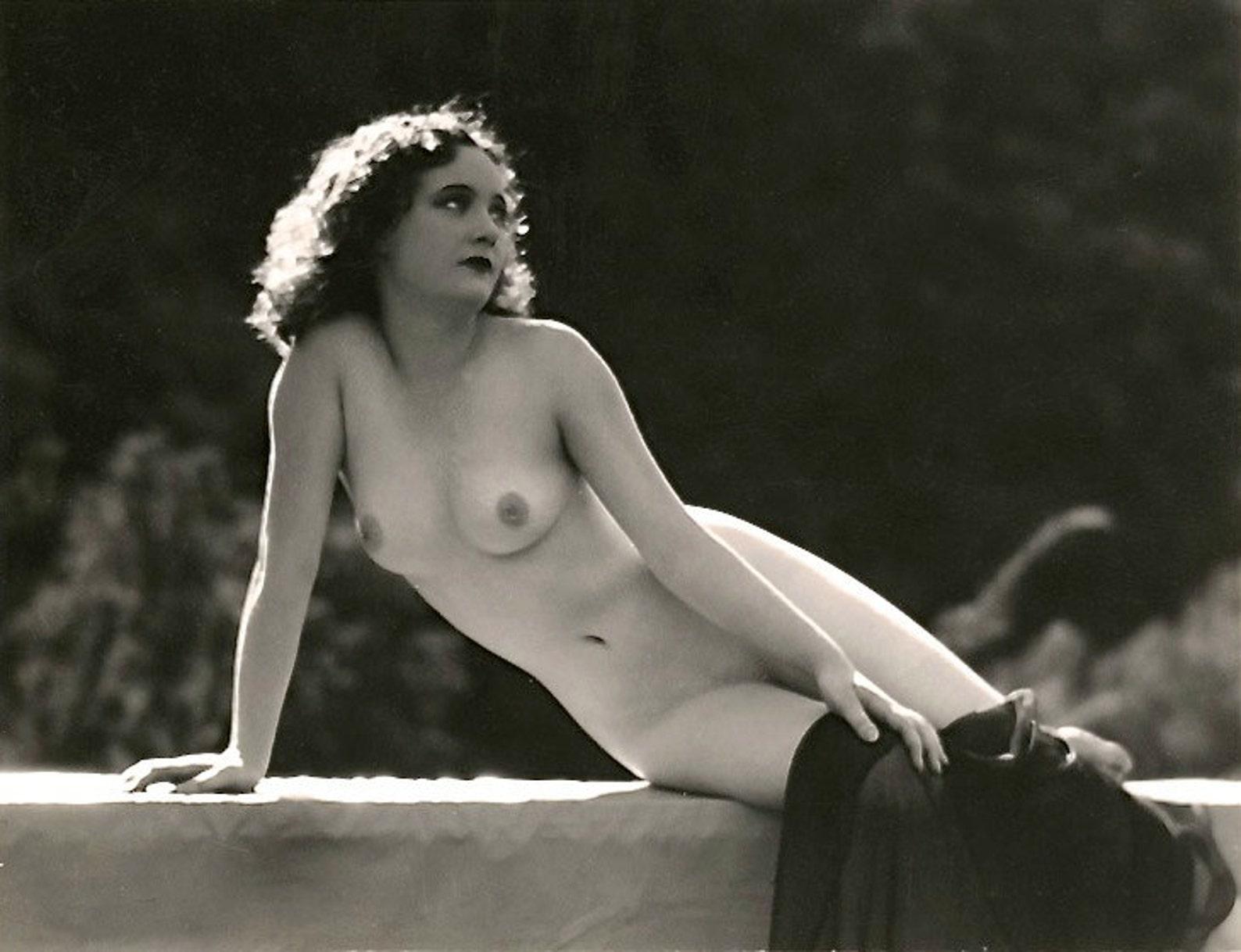 Famous Nudes Actress