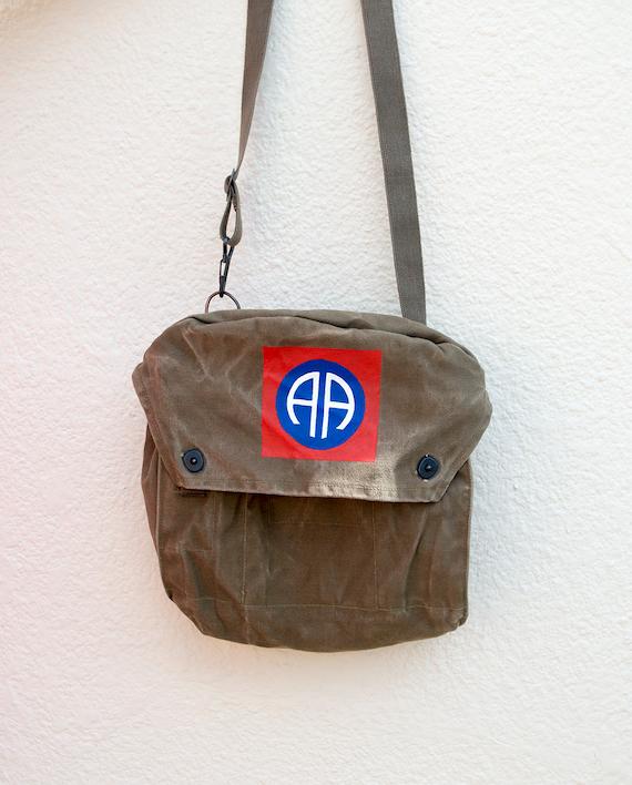 Hand painted messenger bag US 82nd Airborne Division  af5a34e8478b0