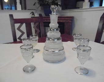 Vintage Retro Frosted Glass Wine/Brandy Decanter with Glasses