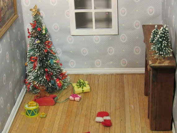 Christmas Dollhouse Decorations.Miniature Christmas Dollhouse Decorations Dollhouse Decor Christmas Tree Present Miniature Trees Gifts Drum Miniature Presents