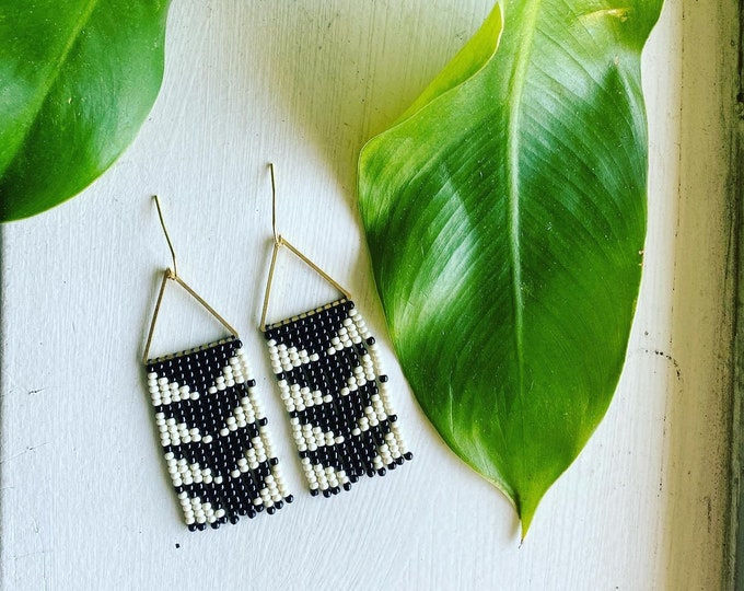 Black & White Triangle Earrings | Modern Beaded Jewelry | Boho Earrings | Triangle Design Seed Bead Fringe