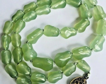 aed38183c vintage CHINESE hardstone beads necklace ~ gold on silver clasp light green  - inA4652