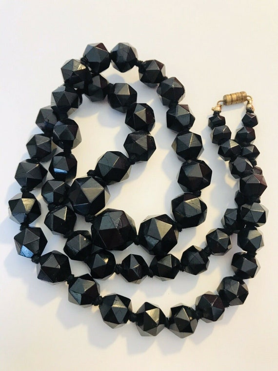 long Victorian WHITBY JET necklace faceted beads ~58g ~ ~ inA5451