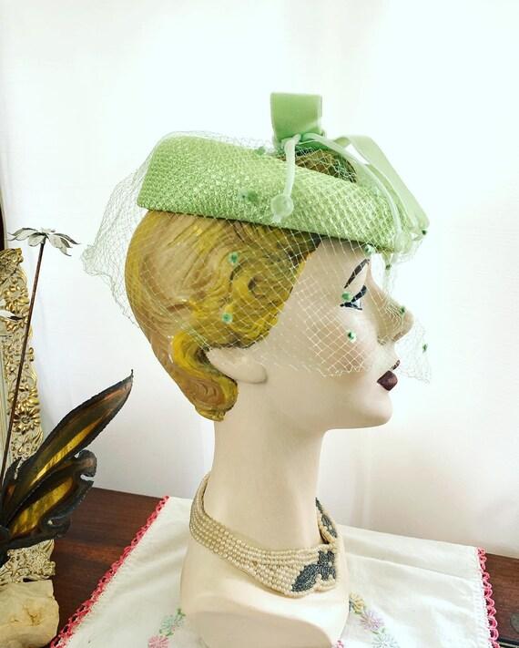 50s Celadon Green Velvet Bow Fascinator, 50s Gree… - image 7