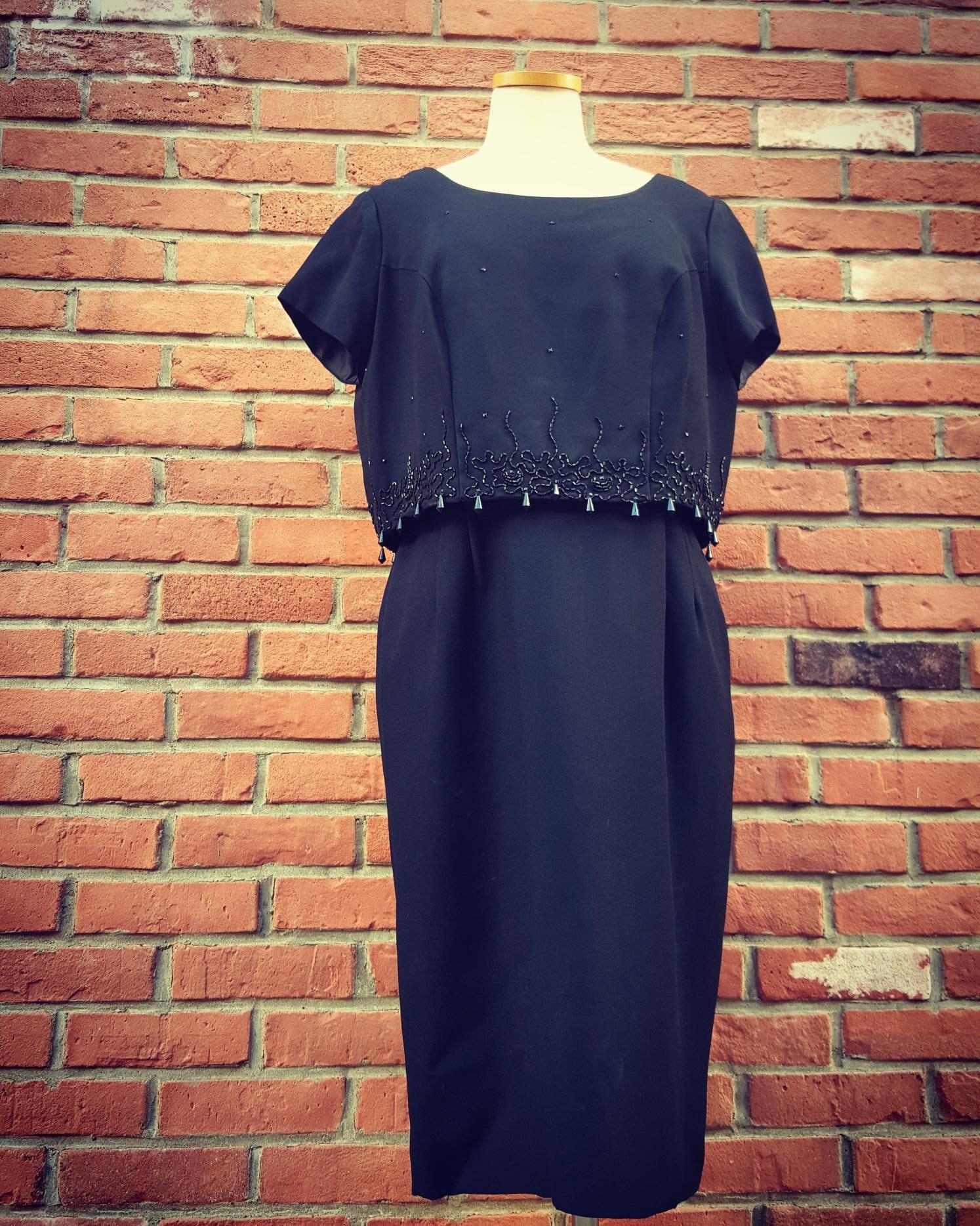 70a208166d Vintage 50s Black Cocktail Wiggle Dress 50s 60s Volup Size