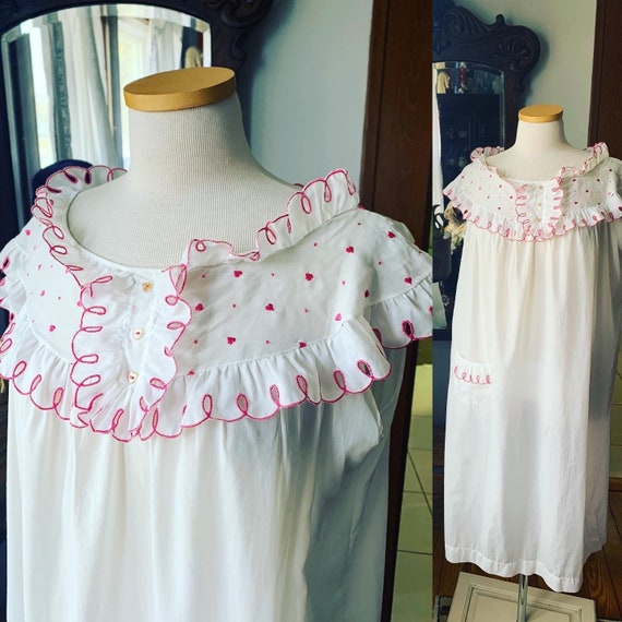 50s Heart Nightgown, Vintage Embroidered Heart Nig