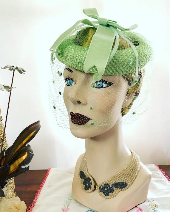 50s Celadon Green Velvet Bow Fascinator, 50s Gree… - image 4