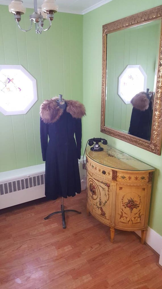 40s 1940s Vintage Princess Coat, Fur Collar Fit an
