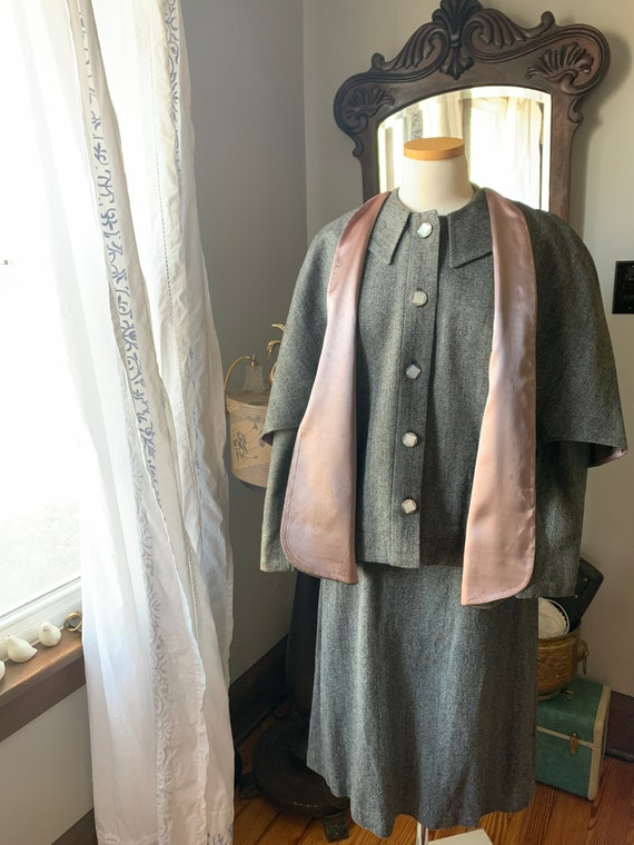 40s Vintage Grey Suit, 40s Wool Cape Suit, 40s Dr… - image 10