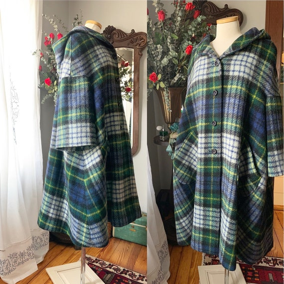 Vintage Jimmy Hourihan Cape Coat, 70s Plaid Wool C