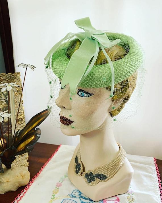50s Celadon Green Velvet Bow Fascinator, 50s Gree… - image 3