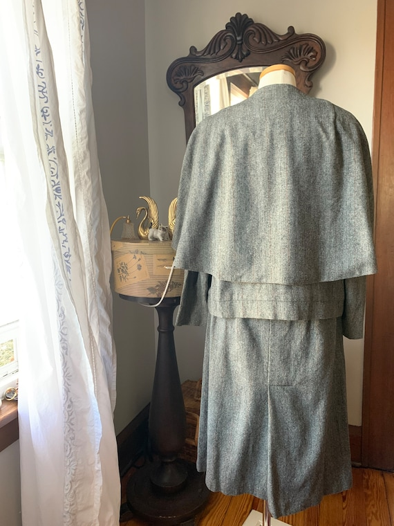 40s Vintage Grey Suit, 40s Wool Cape Suit, 40s Dr… - image 5
