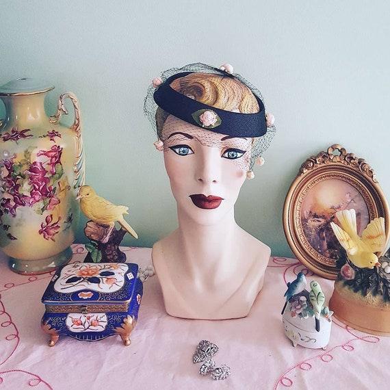 50s Rosebud Hat, 1950s Blush Pink Roses Black Hat… - image 1