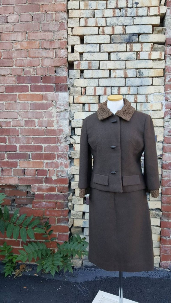 40s 50s Brown Wool Persian Lamb Wool Skirt Suit, … - image 9
