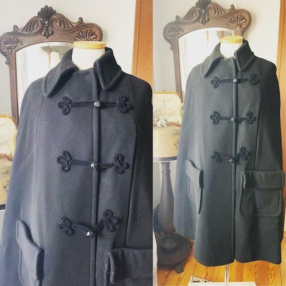Vintage Black Wool Cape, Vintage Velvet Frog Closu