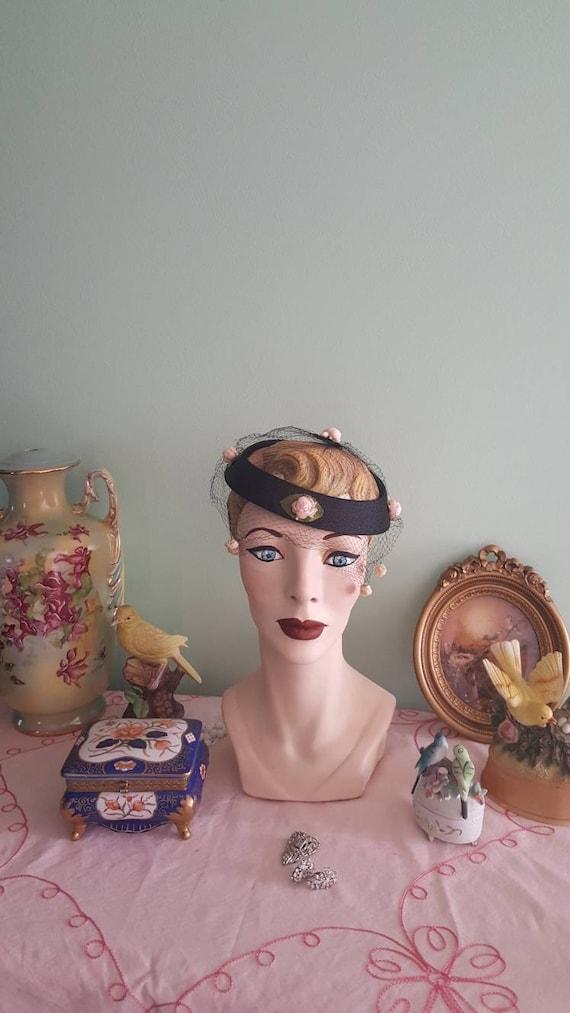 50s Rosebud Hat, 1950s Blush Pink Roses Black Hat… - image 5