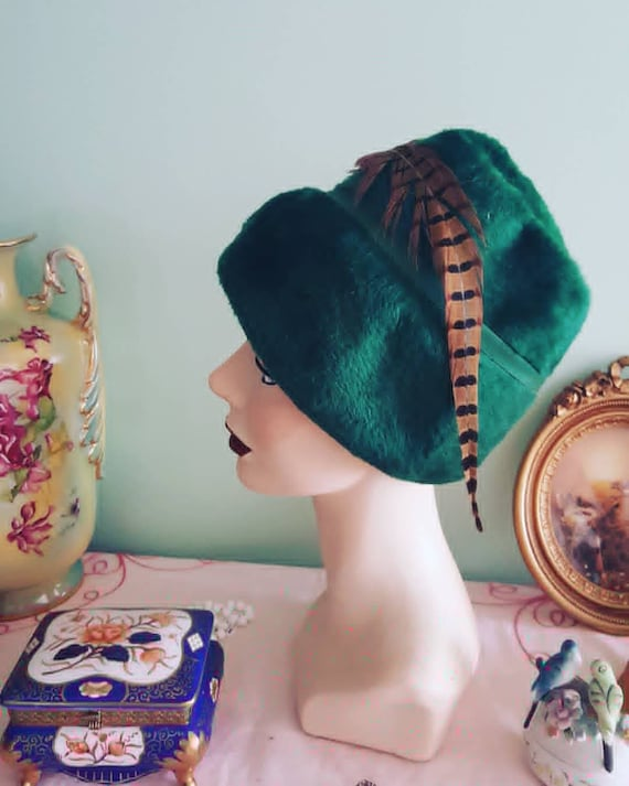 1940s Green Fur Made In Italy Hat With Feather, 40