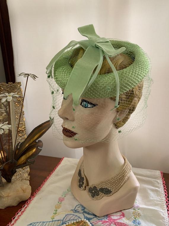 50s Celadon Green Velvet Bow Fascinator, 50s Gree… - image 6